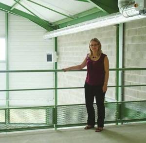 Elodie Verbeke chargée du développement économique dans une des cellules du BIL.
