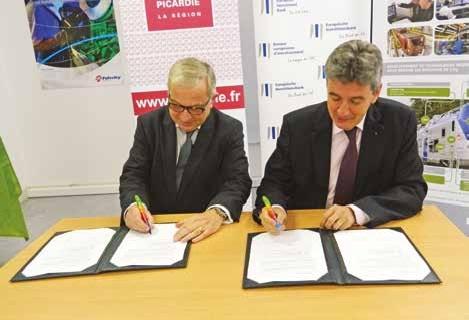 Claude Gewerc et Philippe de Fontaine actent ce nouveau partenariat entre la région et l'Europe.