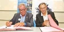 Signature de la convention Medef/ CROS par Jacques Vincent, Président du Medef Picardie (à g.) et Claude Fauquet, président du CROS Picardie.
