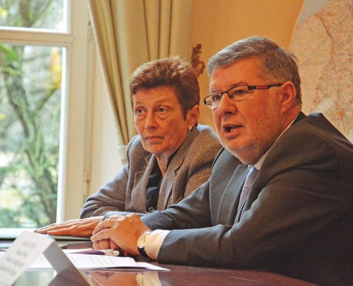 Alain Vidalies, secrétaire d'État aux transports, a été accueilli par Nicole Klein, préfète de la région Picardie.
