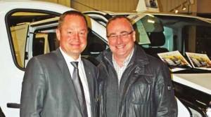 Emmanuel Lanos, directeur de la concession Renautl Gueudet Sarva et Patrick Selle, chef de l'entreprise Cegelec Amiens Réseaux.