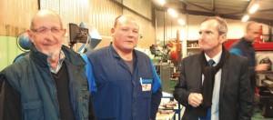 Serge Coquel et Christophe Treunet, son gendre et chef d'atelier, avec à droite le député Stéphane Demilly.