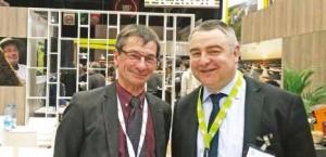 Christophe Buisset (à d.), qui rêve d'une Sillicon Valley agroalimentaire, aux côtés de Daniel Roguet, président de la chambre d'agriculture de la Somme.
