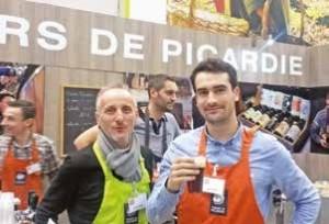 Adrien Rouquette (à d.) et un de ses collaborateurs, dont la brasserie a décroché une médaille d'or au concours général agricole 2015, pour la Milliacus.