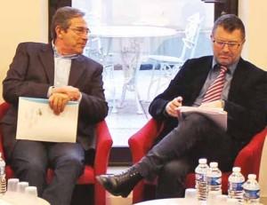 Bernard Chatain (à g.), président de la Sip, et Alain Herreng, directeur général, avaient à coeur d'annoncer la construction de 300 logements neufs.