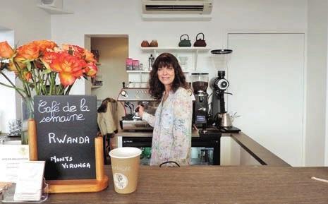 Florence Margueray invite ses clients au voyage dans son antre aux senteurs exquises.