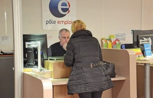 À l'accueil, Éric Jupin est le premier interlocuteur des demandeurs d'emploi.