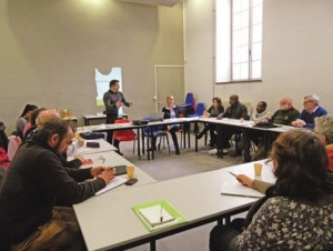 La vingtaine de participants sont venus échanger et se mettre à jour sur le thème de la responsabilité des dirigeants d'associations.