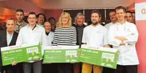 Les lauréats entre le représentant du Bottin Gourmand et Ludovic Colpart