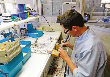 Les prothèses sont entièrement assemblées dans les locaux de Moreuil.