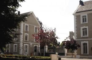 Le centre a gardé l'aspect de l'ancien site militaire.