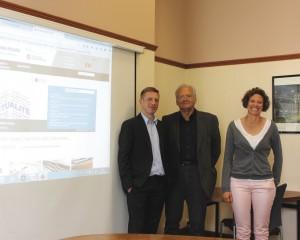 Bernard Martel et deux des collaborateurs du site.