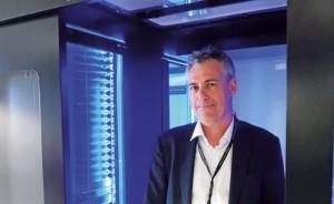 Philippe Bonduelle devant un data center conçu par son entreprise