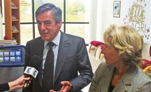 En pleine campagne électorale, François Fillon, accompagné de Caroline Cayeux, sénateur-maire de Beauvais, est venu comprendre la réussite d'Isagri.