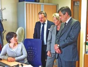 Les acteurs économiques locaux ont accompagné l'ancien Premier ministre, à la rencontre des salariés, essentiellement des jeunes.