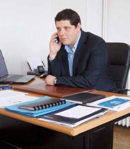 Damien Peiffer à son bureau : « Nous suivons toujours nos résultats pour mieux les optimiser ».