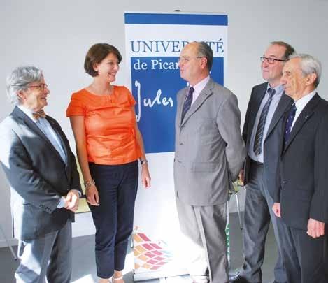 Michel Brazier, président de l'UPJV, Olivier De Baynast, président de la Fondation, Céline Hocquet, sa vice-présidente, ainsi que deux membres du Bureau, Bernard Nemitz, trésorier, et Gabriel Dessaivre, secrétaire.