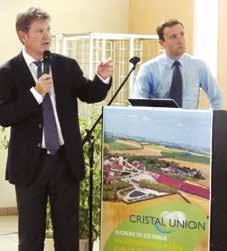 Alain Commissaire (à g.) directeur général de Cristal Union et Vincent Lagasse, directeur du site de Sainte- Émilie.