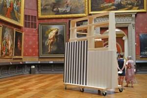 Les Tmuvres de l'artiste sont visibles dans le grand salon.