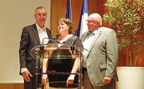 Jacky Lebrun, Président de la CCIR et de l'IRFA, Christine Lavocat, directrice du CFA lRFA-APISUF et Régis Blugeon lors de la signature de la convention de partenariat.