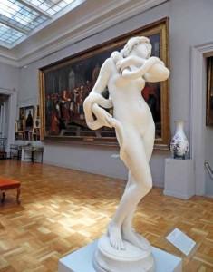La grande salle accueille depuis 1933 une exposition permanente.