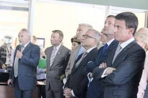 En visite à Garopôle, le Premier Ministre a rappelé l'importance d'un bon réseau de transports.