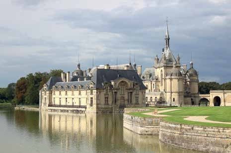 Les lieux de culture, comme le château de Chantilly, participent au rayonnement touristique de la région.