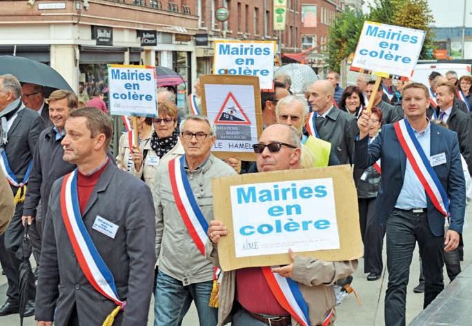 Plus de 200 maires de la Somme ont participé à la manifestation du 18 septembre à Amiens.