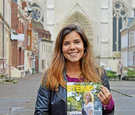 Anne Poyet gère une partie du contenu rédactionnel et toute la partie commerciale du magazine.