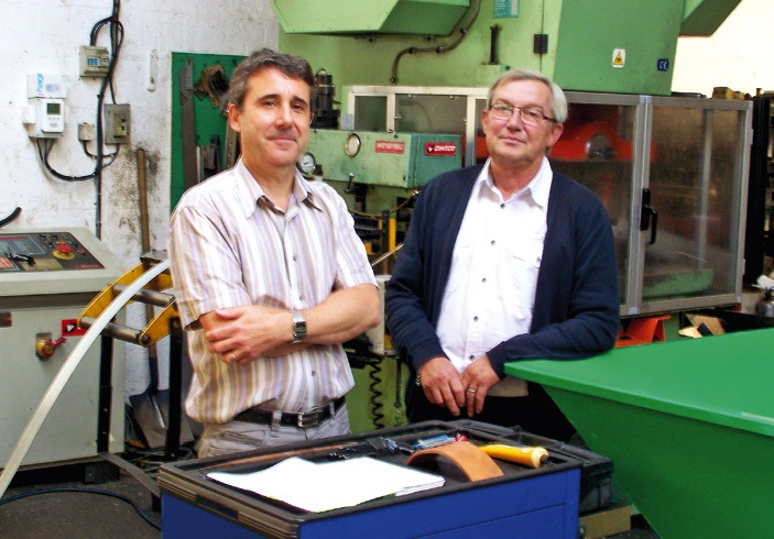 Pascal Monnez et Gérard Mercier travaillent main dans la main pour faire perdurer le savoir-faire de cette société vieille de 60 ans.