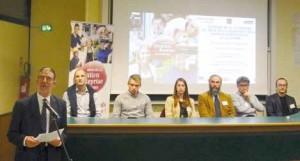 Bernard Capron, président d'Initiative Somme, aux côtés des six entrepreneurs témoins.
