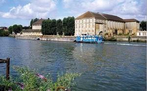 L'ancienne sucrerie de Saint-Leu-d'Esserent sera reconvertie en port à sec.