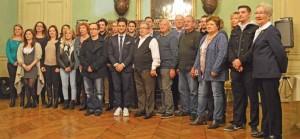 Photo de groupe à l'issue de la cérémonie qui a récompensé les 16 lauréats de cette année.
