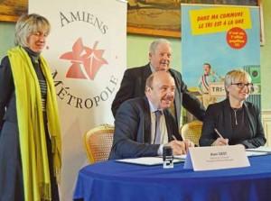 Sophie Legay et Alain Gest ont signé une convention pour améliorer le tri et le recyclage des emballages ménagers