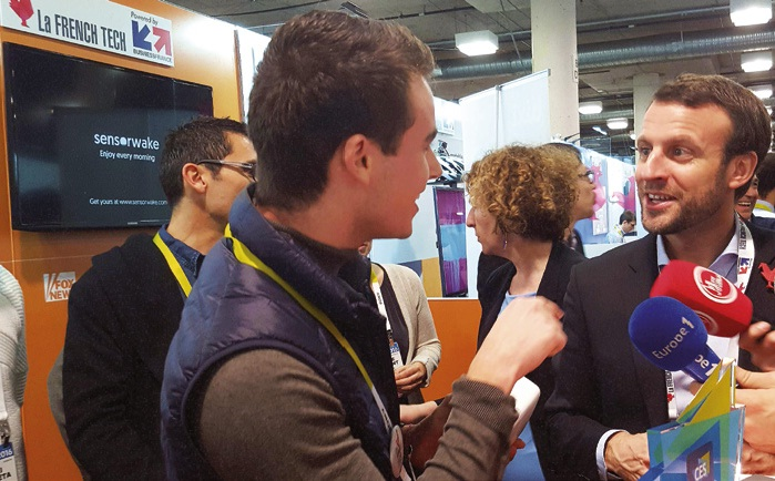 Ce 49e Consumer Electronics Show fut l'occasion pour Guillaume Rolland (à g.) de rencontrer le ministre de l'Économie amiénois, Emmanuel Macron.