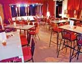 Le café-théâtre Médard dirigé par Fabrice Decarnelle compte trois salariés permanents.