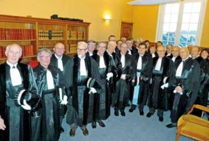 les juges consulaires se sont retrouvés à l'audience solennelle. Daniel Brudi a assuré la présidence du tribunal de septembre à décembre 2015 avec un effectif réduit.