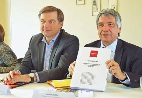 (à g.) Hubert de Jenlis, premier vice-président du conseil départemental en charge des finances et Laurent Somon, président.