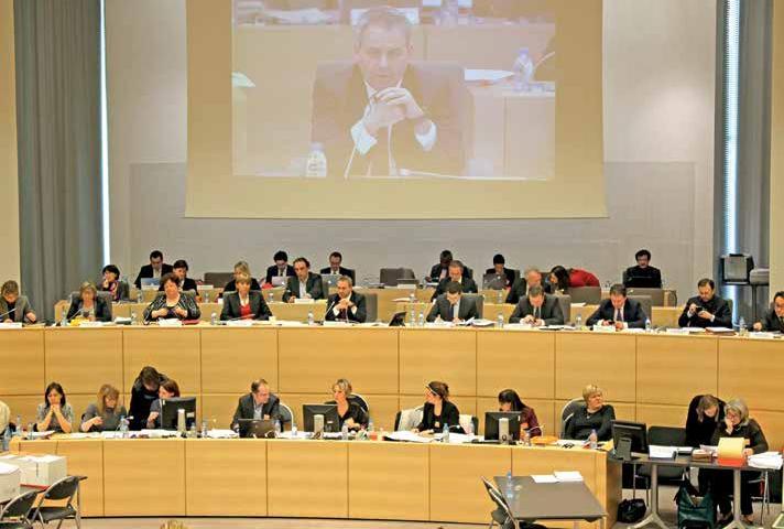 La première séance plénière du conseil régional, bien que perturbée, a permis d'adopter plusieurs mesures en faveur de l'emploi et de l'élevage.