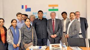 La délégation indienne, en visite dans le centre de formation Proméo à Venette, était emmenée par le professeur Abhishek Mishra, ministre de l'Education professionnelle et du Développement des compétences de l'Uttar Pradesh.